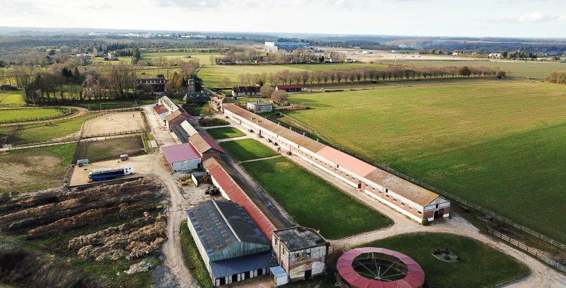 Propriété équestre avec 130 boxes sur 11 ha proche Lisieux (14)