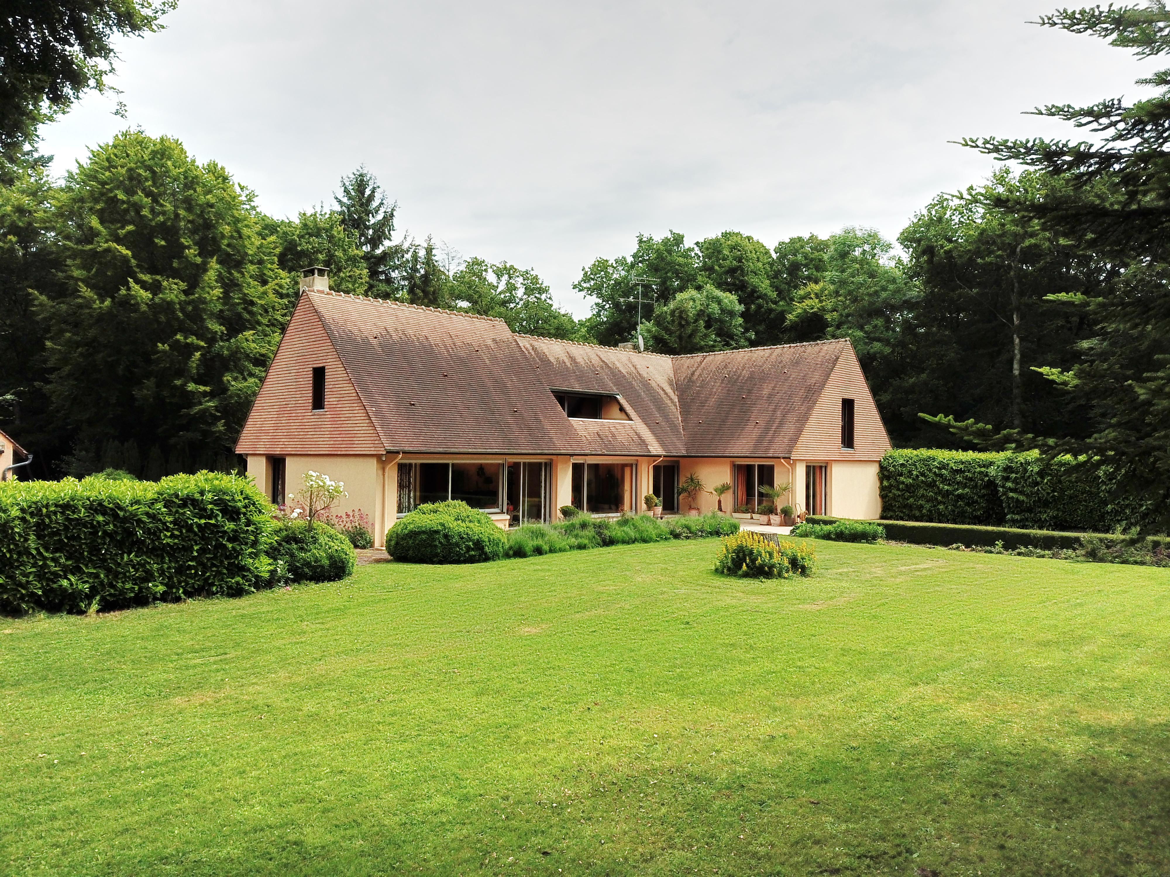 Habitation à vocation équestre au coeur des bois (61)