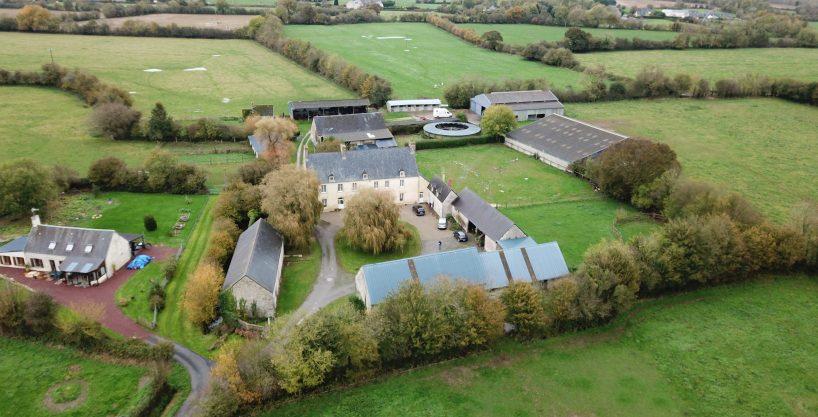 Haras d'élevage et de sport proche Saint-Lô sur 30 ha (50)