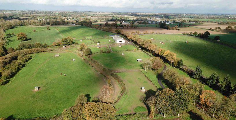 Centre d'entrainement ou aménagement écurie de sport sur 10 ha (50)