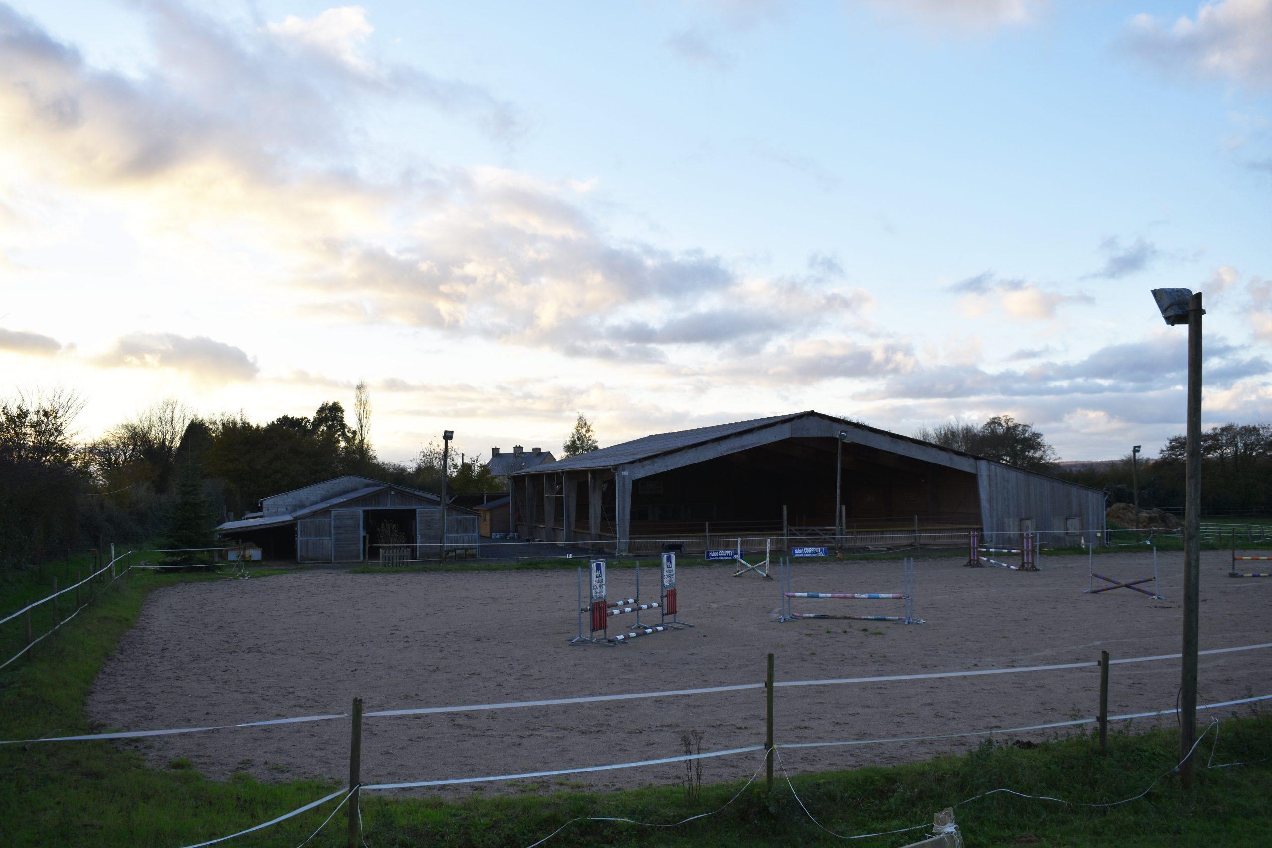 Écurie de sport, centre équestre sur 6,2 ha – Secteur Auvers (50)