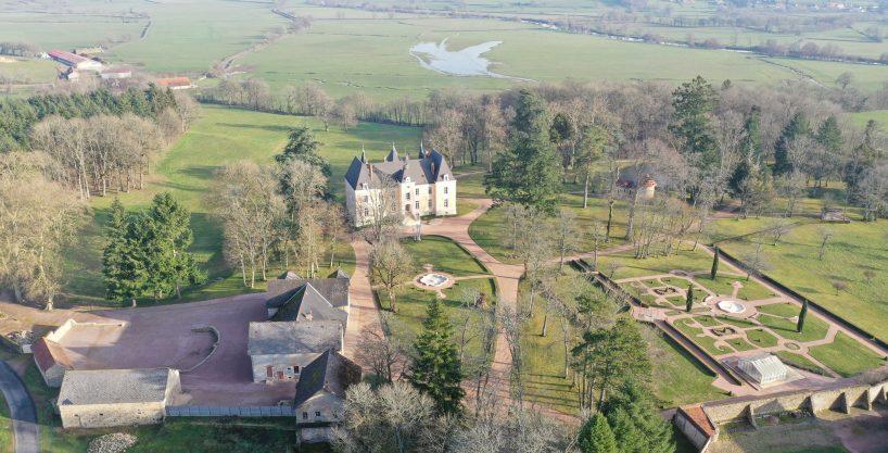 Château à vocation équestre sur 17 ha (71)