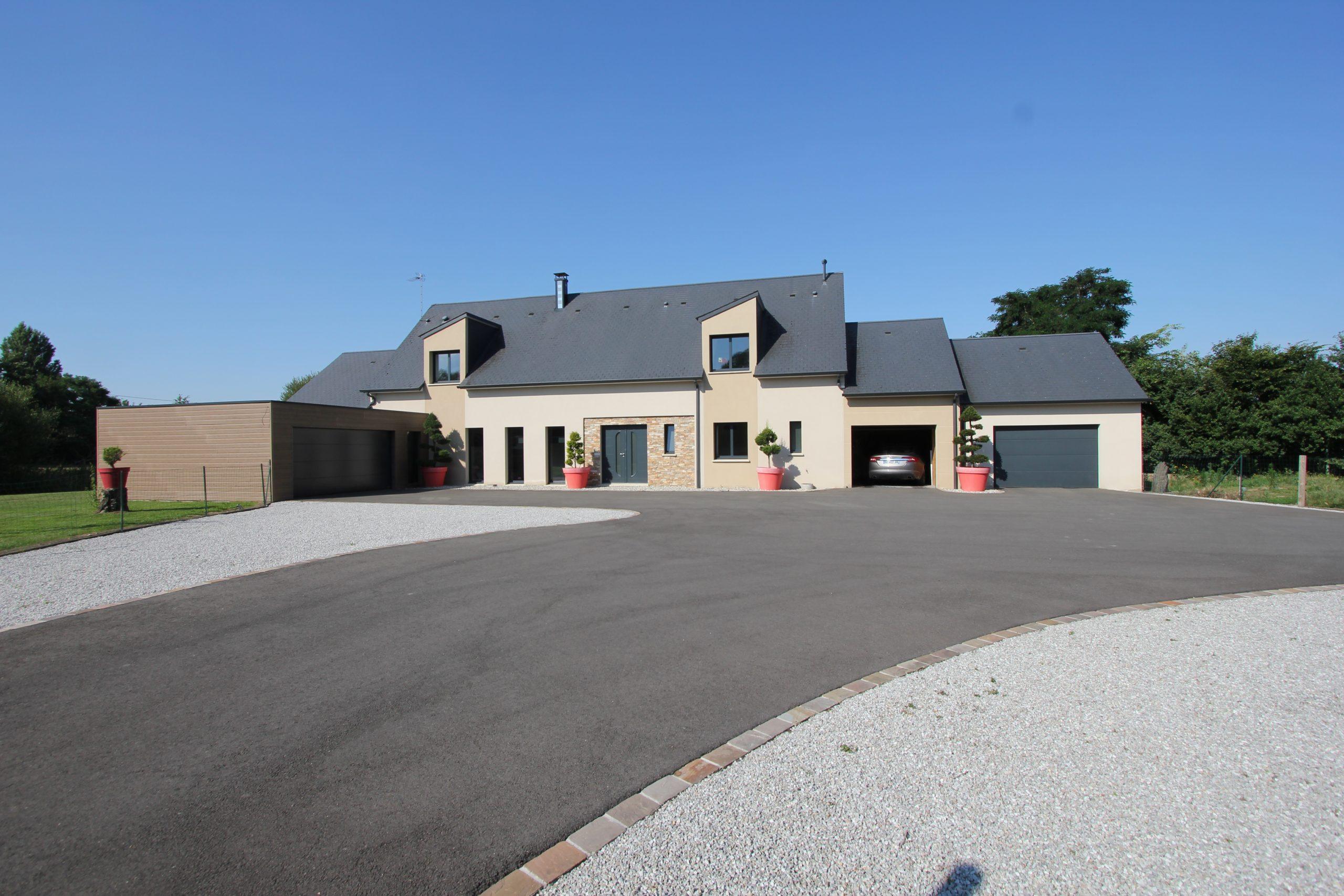 Maison neuve et ses installations équestres – Proche du Mans (72)