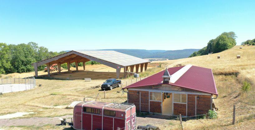 Ecurie de propriétaires sur 15 ha avec vue sur la vallée (21)