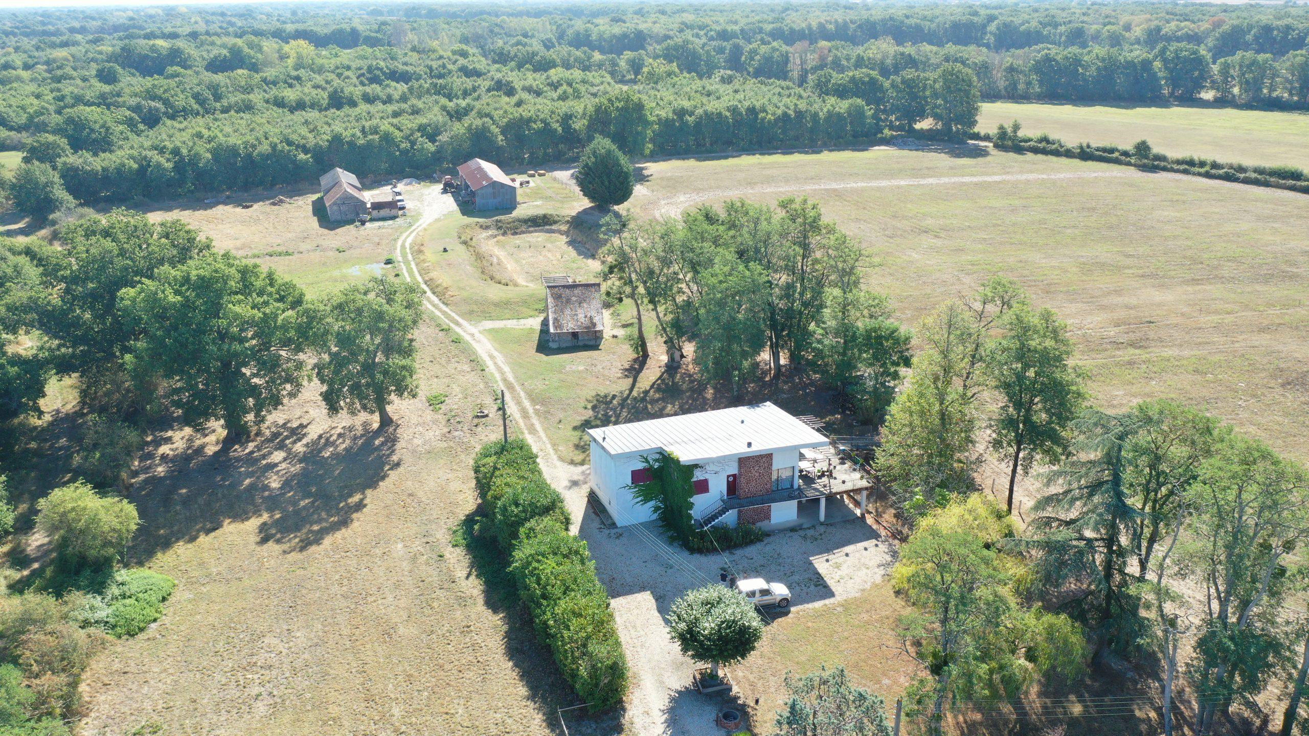 Habitation et corps de ferme sur 5,5 ha en Brenne (36)