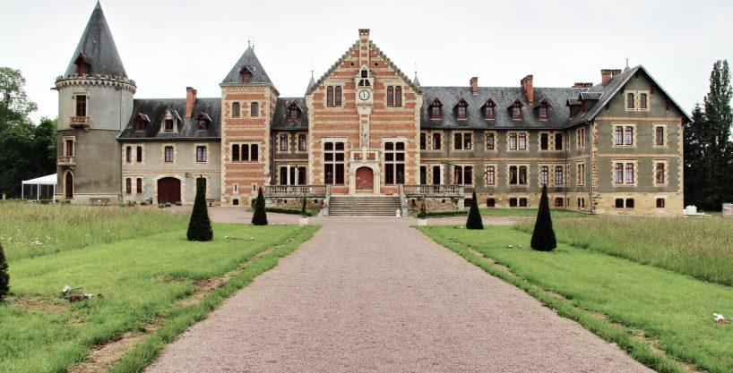 Chateau pour événements à vocation équestre (03)