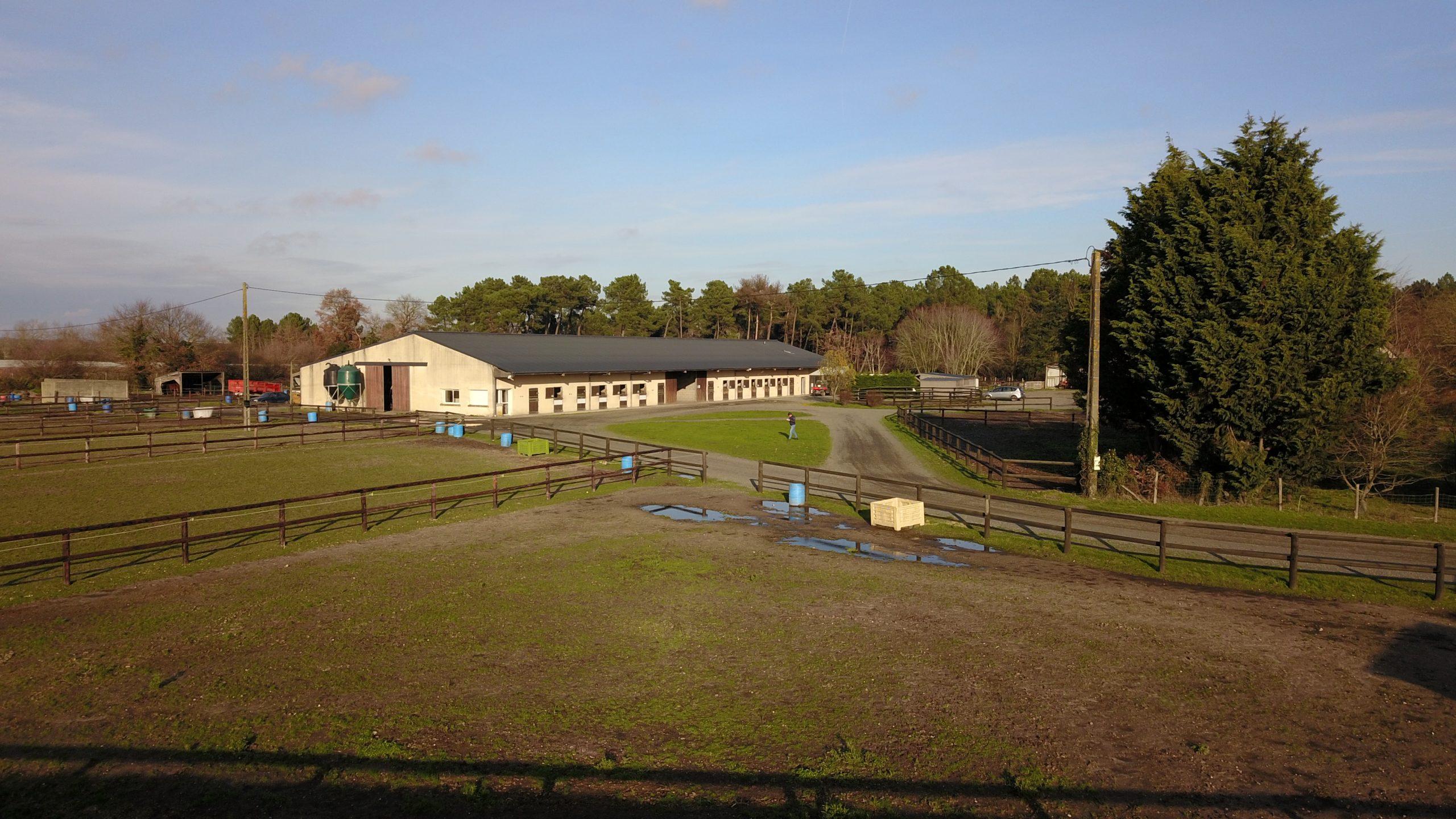 Centre d'entrainement sur 30ha proche d'une forêt (49)