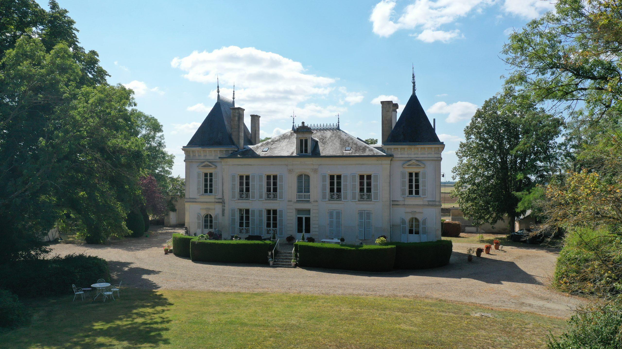Château de prestige sur 8 ha – Secteur Bourges (18)